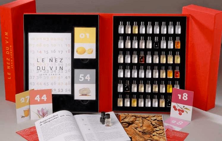 Un libro e aromi per apprezzare con il naso vino, caffè, whisky