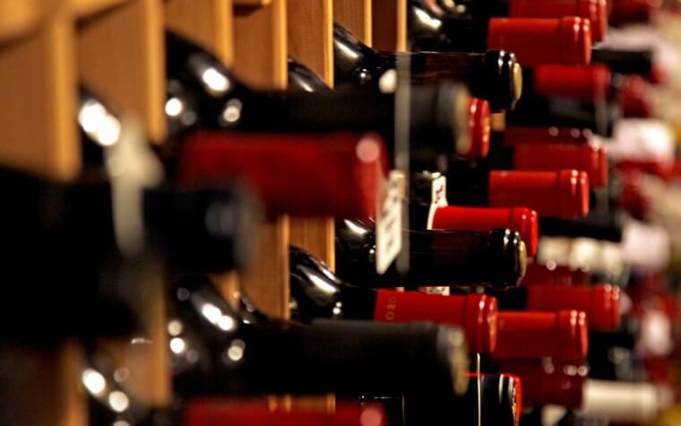 Bottiglie-di-vino-rosso