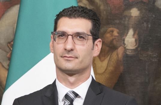 Sottosegretario L'Abbate: regolarizzazione per i soli migranti lavoratori agricoli